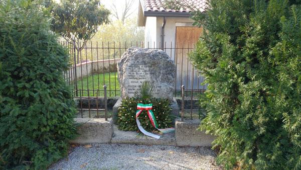 Via Ravennate 2800: Cippo ai Caduti dell'eccidio del 29/4/1944